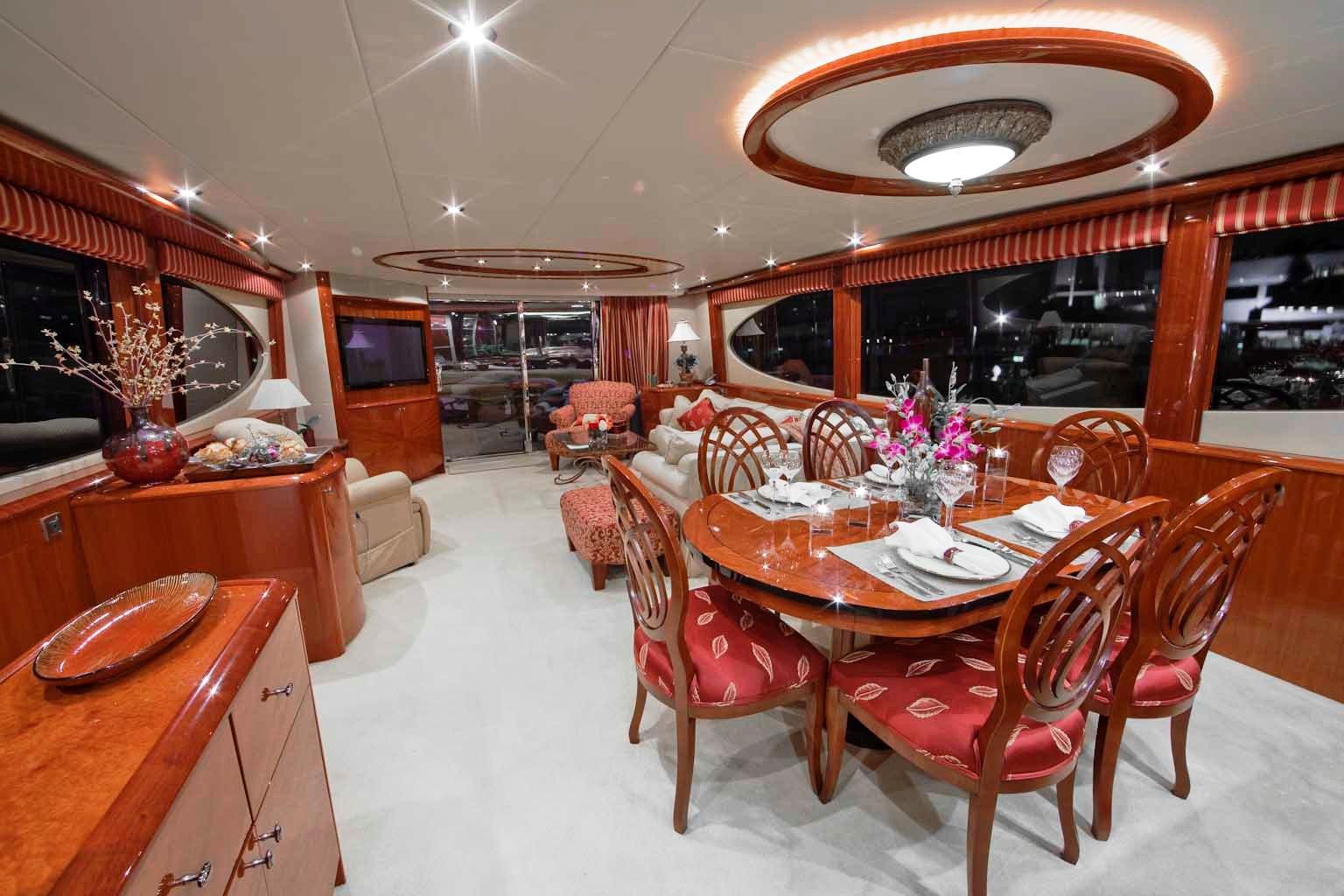 Castaway -  Salon and Dining