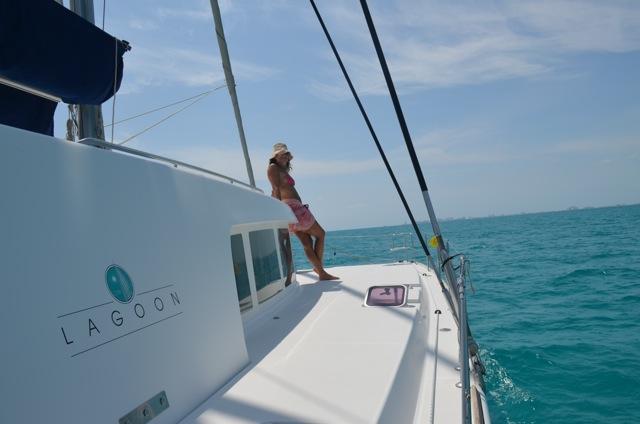 Catamaran AMURA - Side Deck