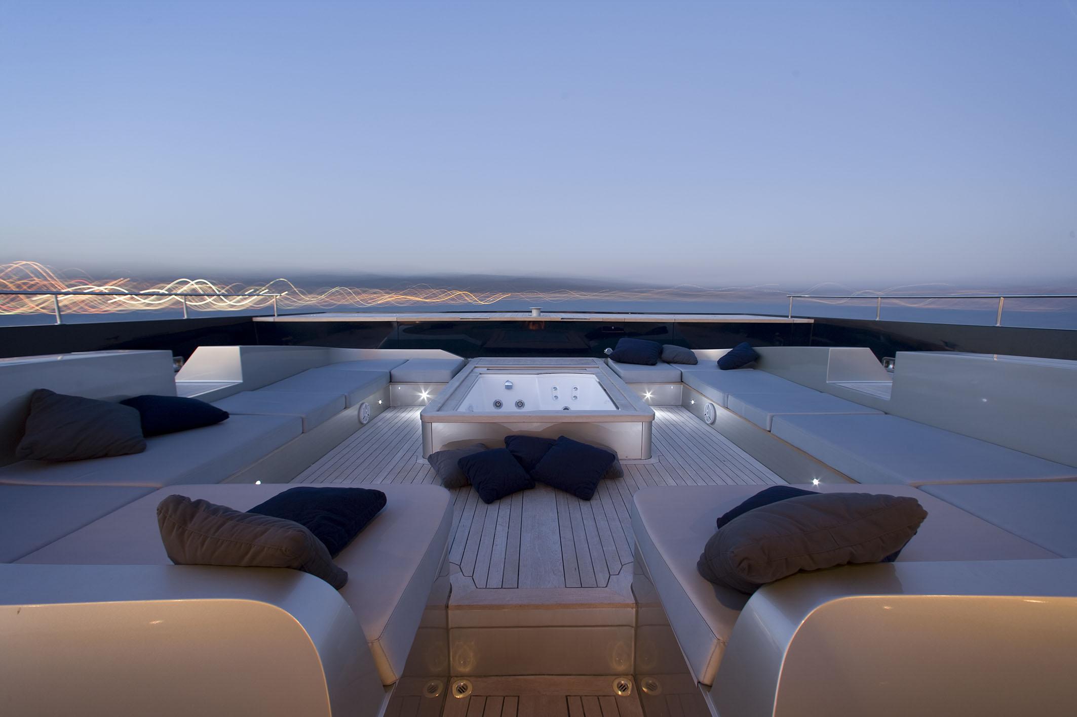 Catamaran BRADLEY -  Foredeck 2