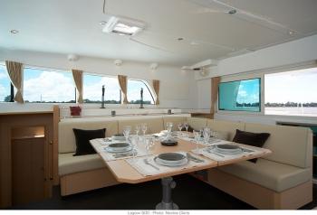 Catamaran DORIS -  Salon Dining