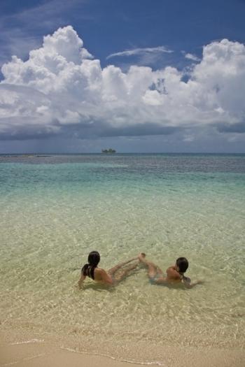 Catamaran DORIS -  Swimming in Belize