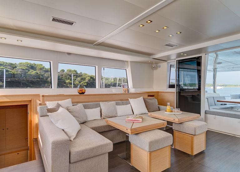 Catamaran ENIGMA -  Salon Seating