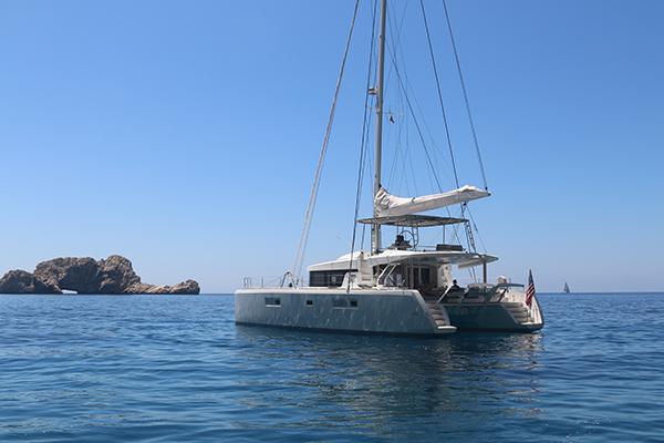 Catamaran LOTUS - At Anchor