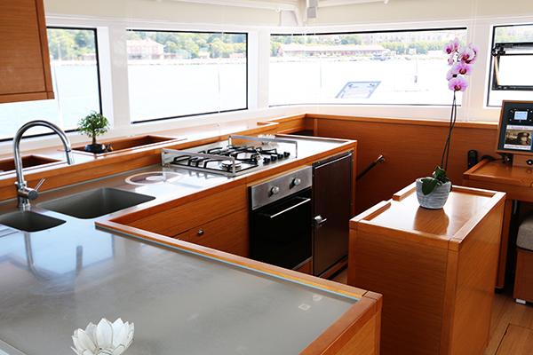 Catamaran LOTUS - Galley