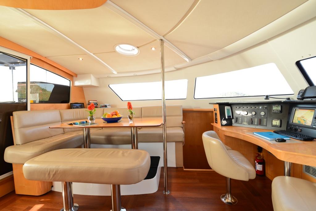Catamaran NKALINDAU -  Salon Dining