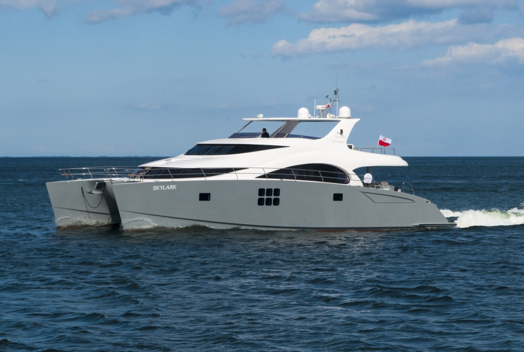 Catamaran SKYLARK -  Main