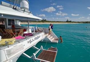 Catamaran VACOA - Aft View
