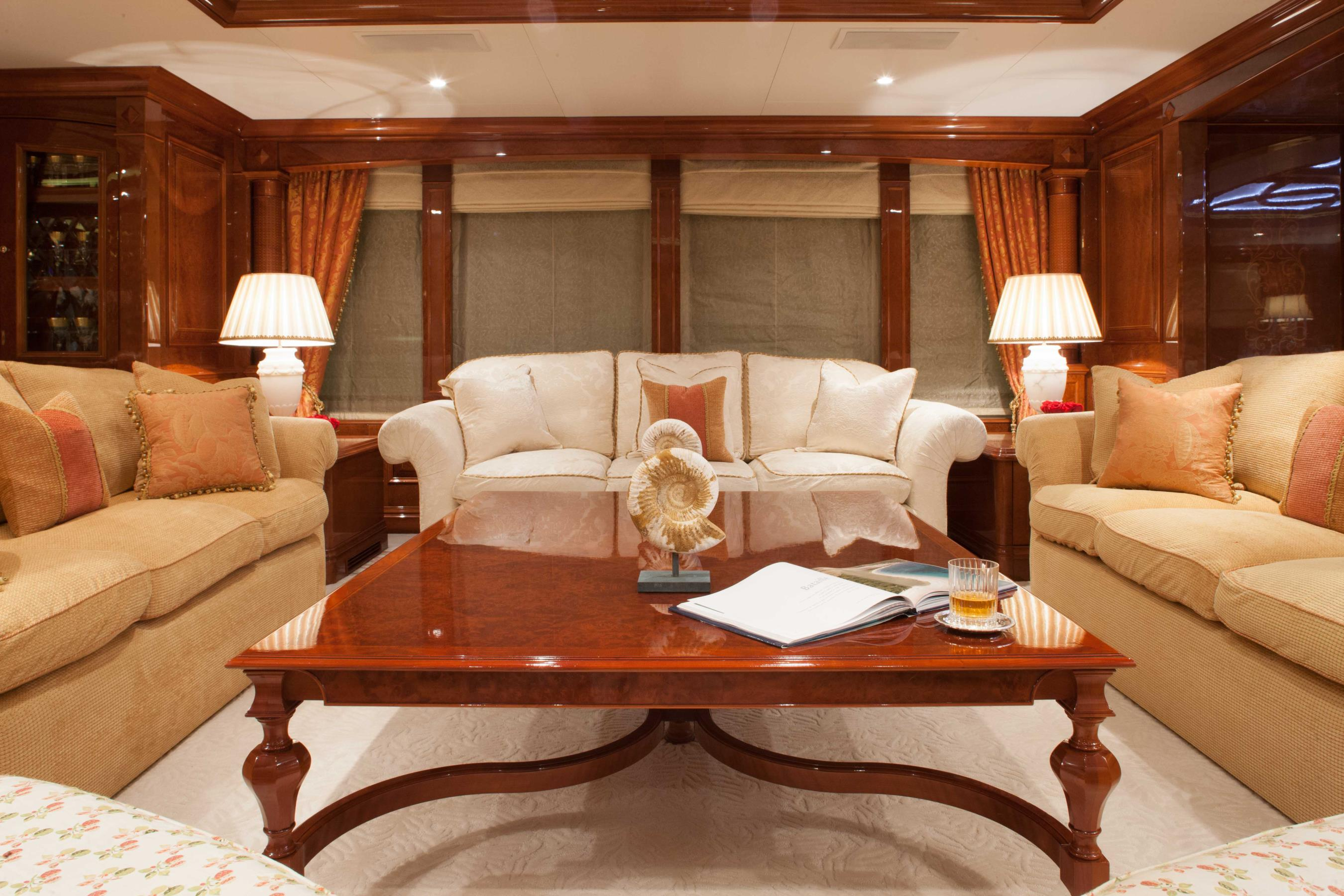 Charter Yacht ST DAVID -  Salon Seating