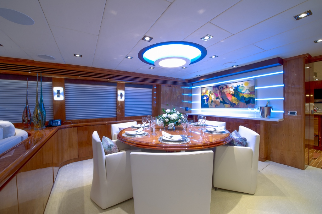 Charter yacht RESTLESS - Dining