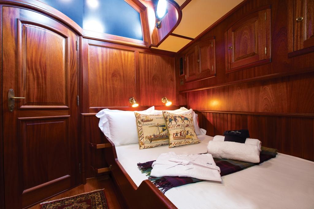 Classic SY SILVER SPRAY - Double cabin