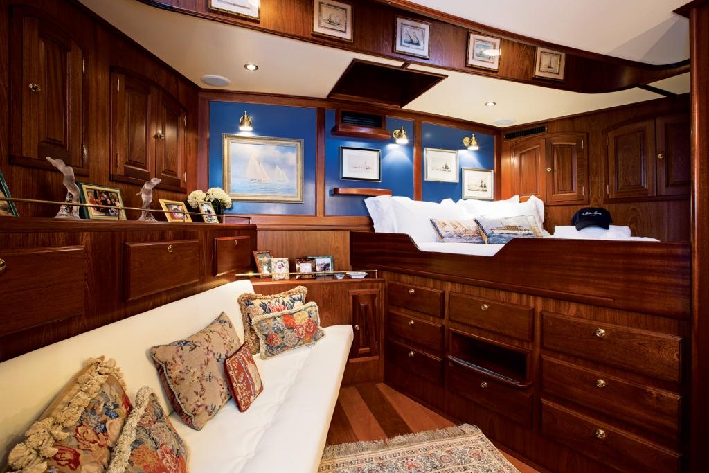 Classic SY SILVER SPRAY - Master cabin