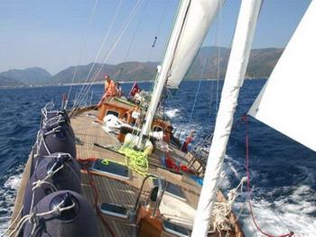 Classic Yacht ANITTA -  On deck