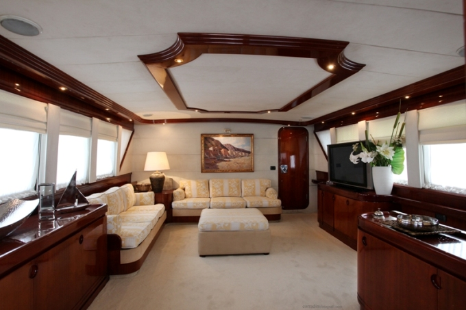 Classic Yacht HATHOR -  Salon 3