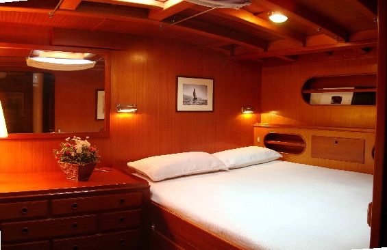 Classic Yacht Lady Sail -  Master Cabin