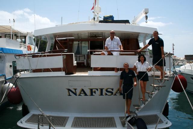Classic Yacht NAFISA -  Swim platform and Transom