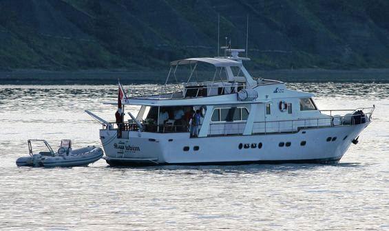 Classic Yacht SURUBIM -  Aft View