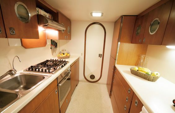 Classic Yacht SURUBIM -  Galley