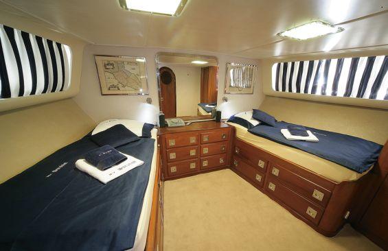 Classic Yacht SURUBIM -  Master Cabin