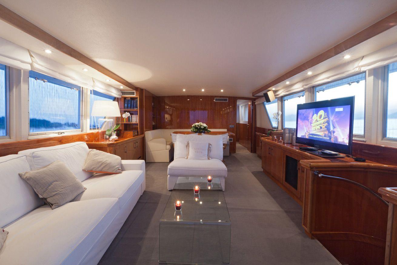 Classic yacht DUNE -  Main Salon