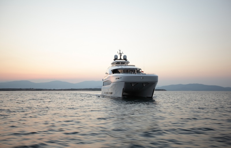 Curvelle Quaranta superyacht catamaran bow