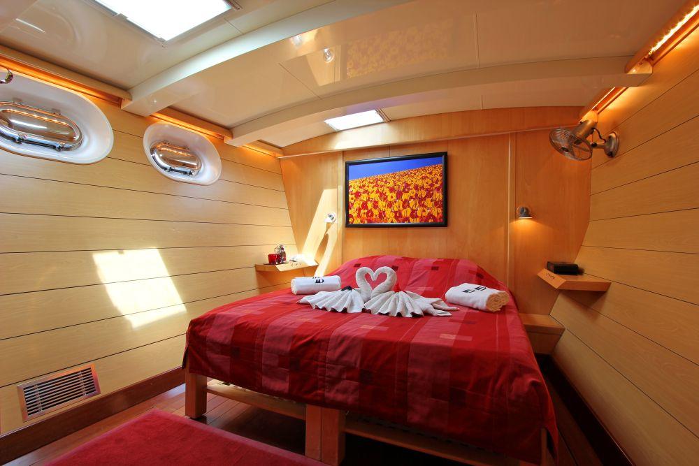 DOUCE FRANCE - Guest cabin