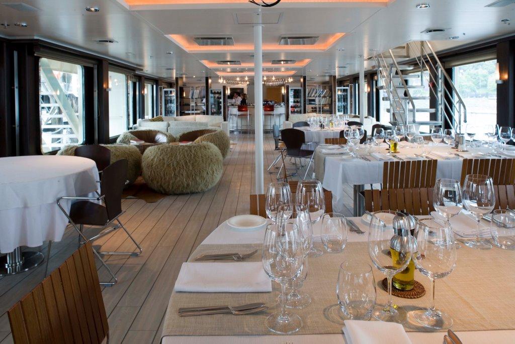 Explorer Yacht ATMOSPHERE -  Dining Salon