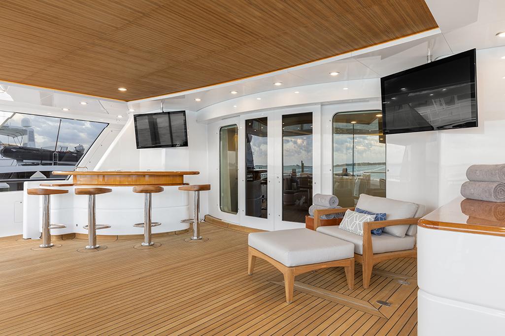 Feadship yacht BROADWATER - Aft deck bar