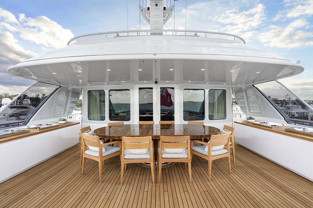 Feadship yacht BROADWATER - Upper aft deck