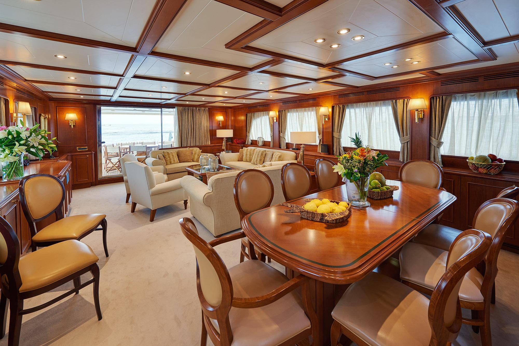 Ferretti Motor Yacht IMAGINE - Salon and dining