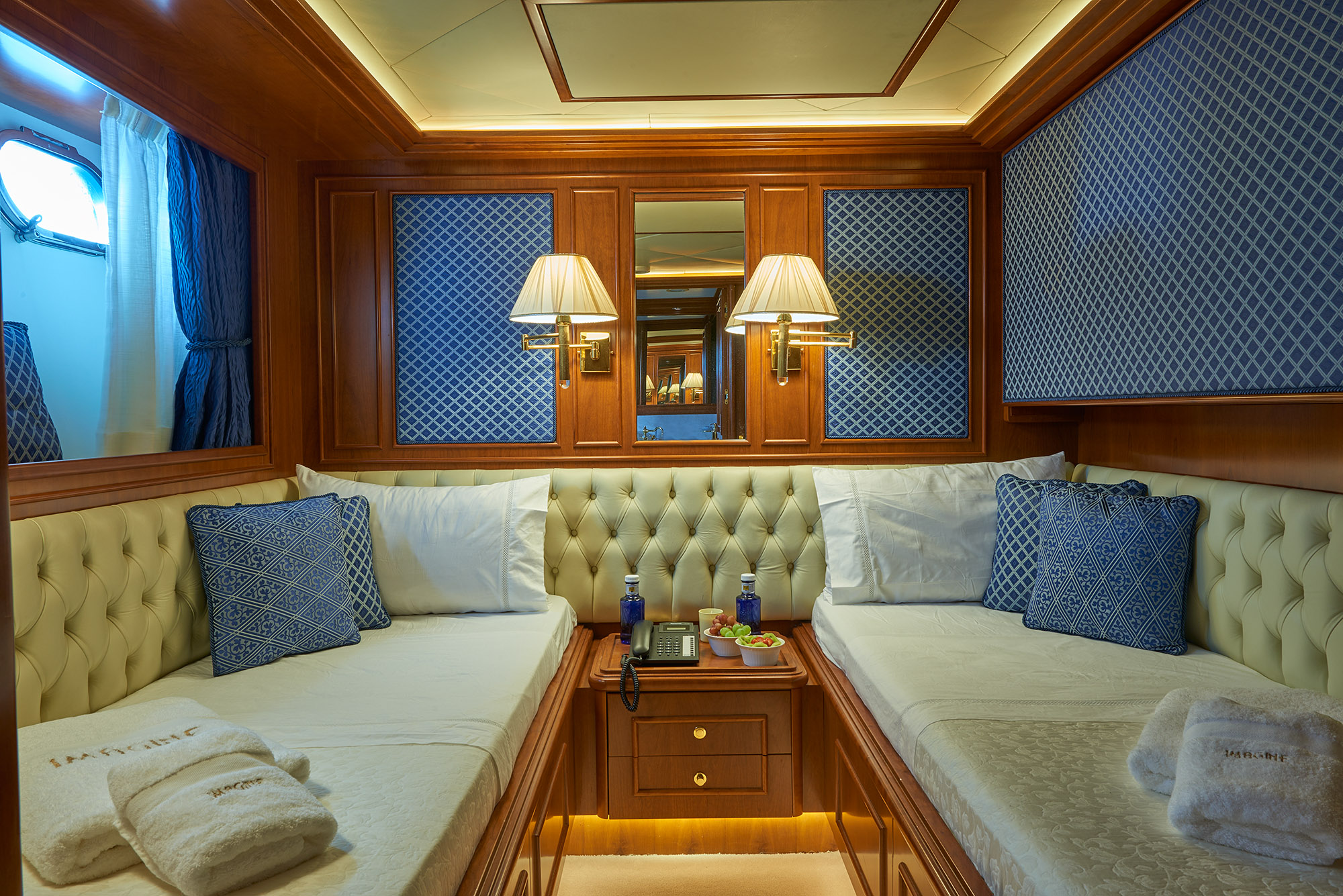 Ferretti Motor Yacht IMAGINE - Twin cabin