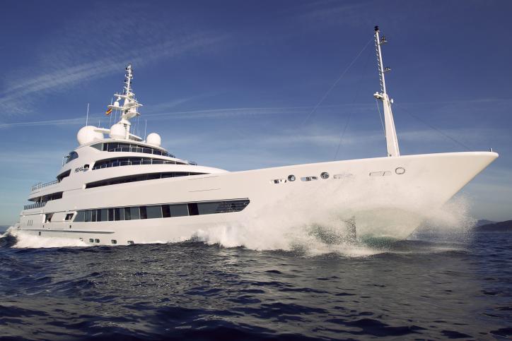 Freire megayacht Pegaso at sea