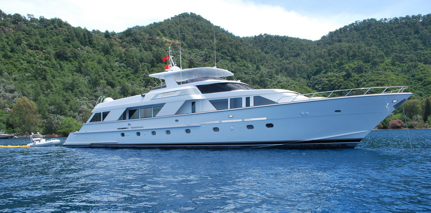 GILAINE O - Starboard side view