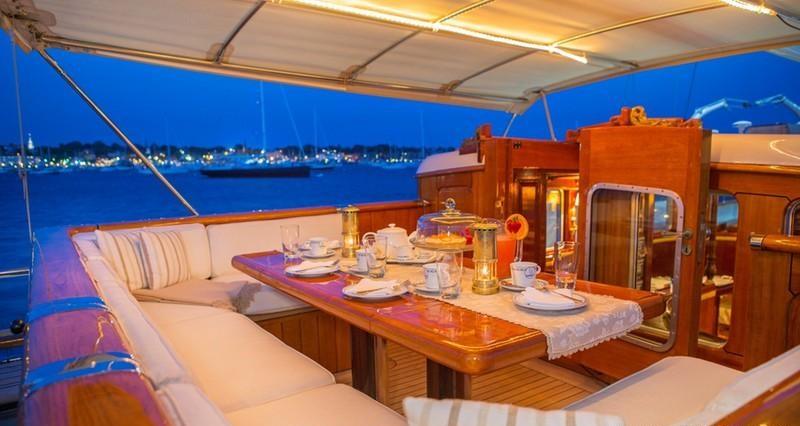 GLORIA Sailing yacht - Alfresco dining