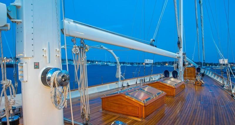 GLORIA Sailing yacht - Foredeck