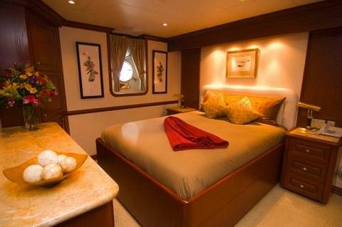 Golf Charter Yacht Stargazer -  Guest Cabin 2