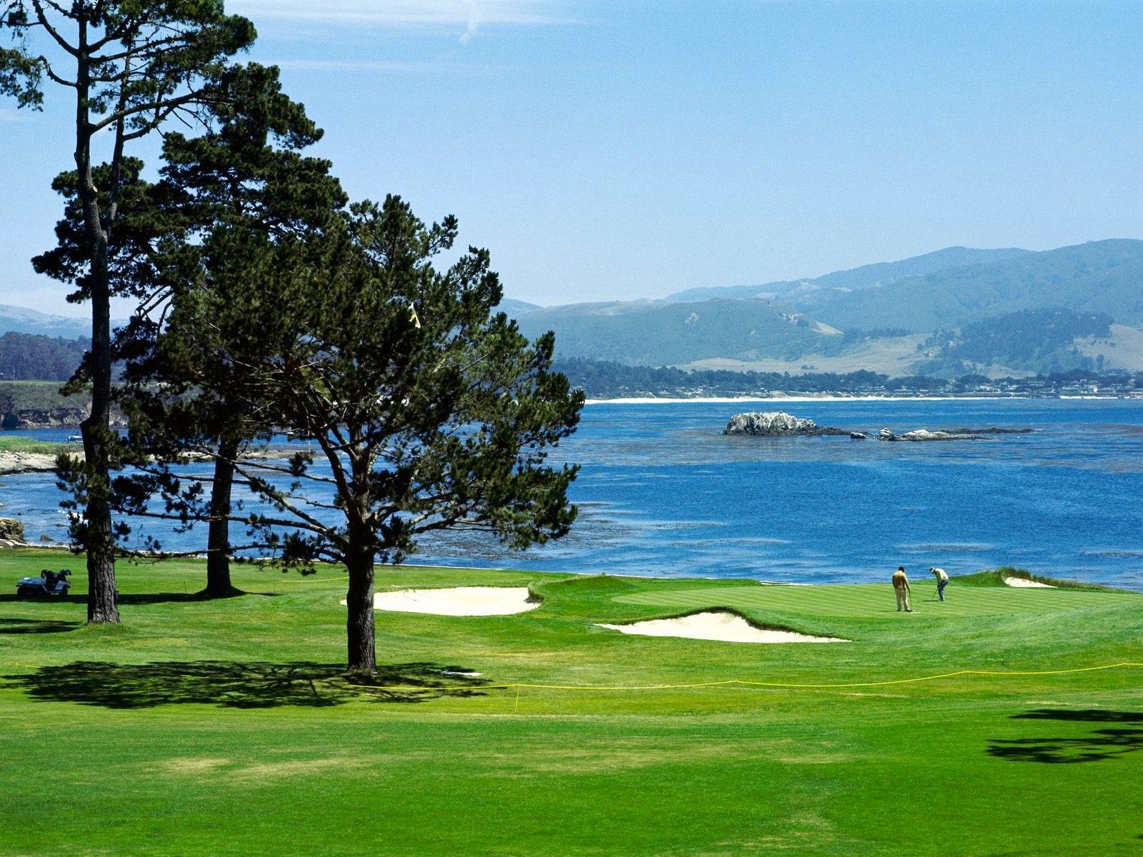 Golf Charter Yacht Stargazer - Pebble Beach Golf Course