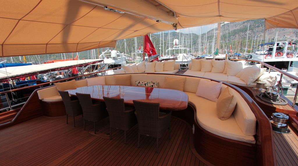 Gulet CARPE DIEM V -  Aft Deck Seating