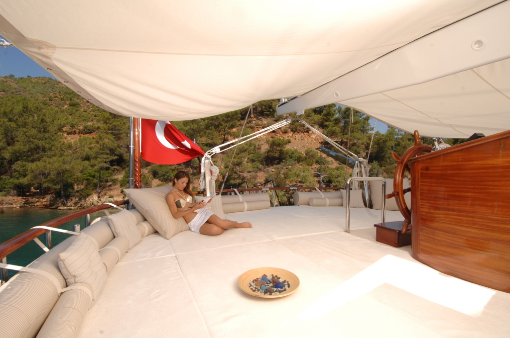 Gulet MARENOSTRUM - Aft deck large sunpad shaded