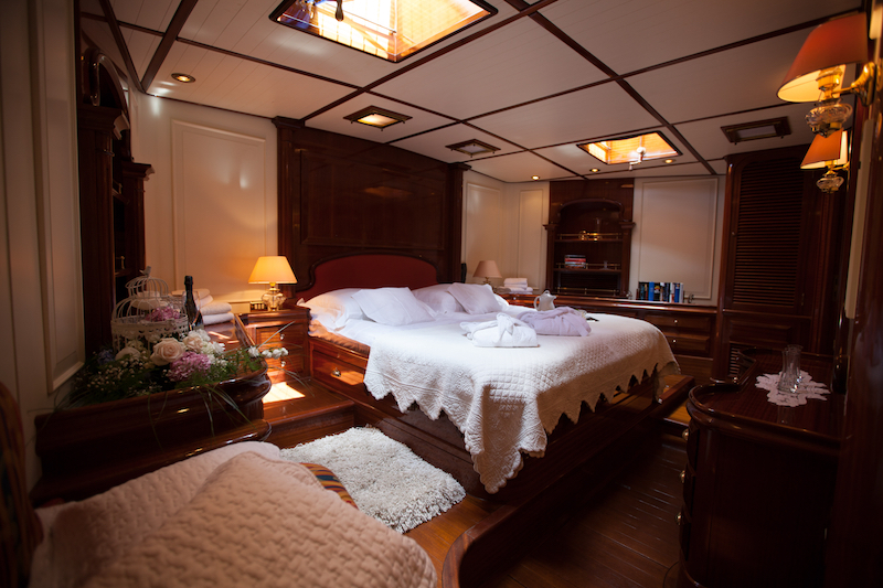 HELIYACHTS 115 - Master suite 2