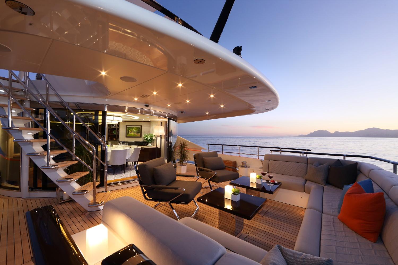 Heesen yacht AURELIA - Aft deck seating