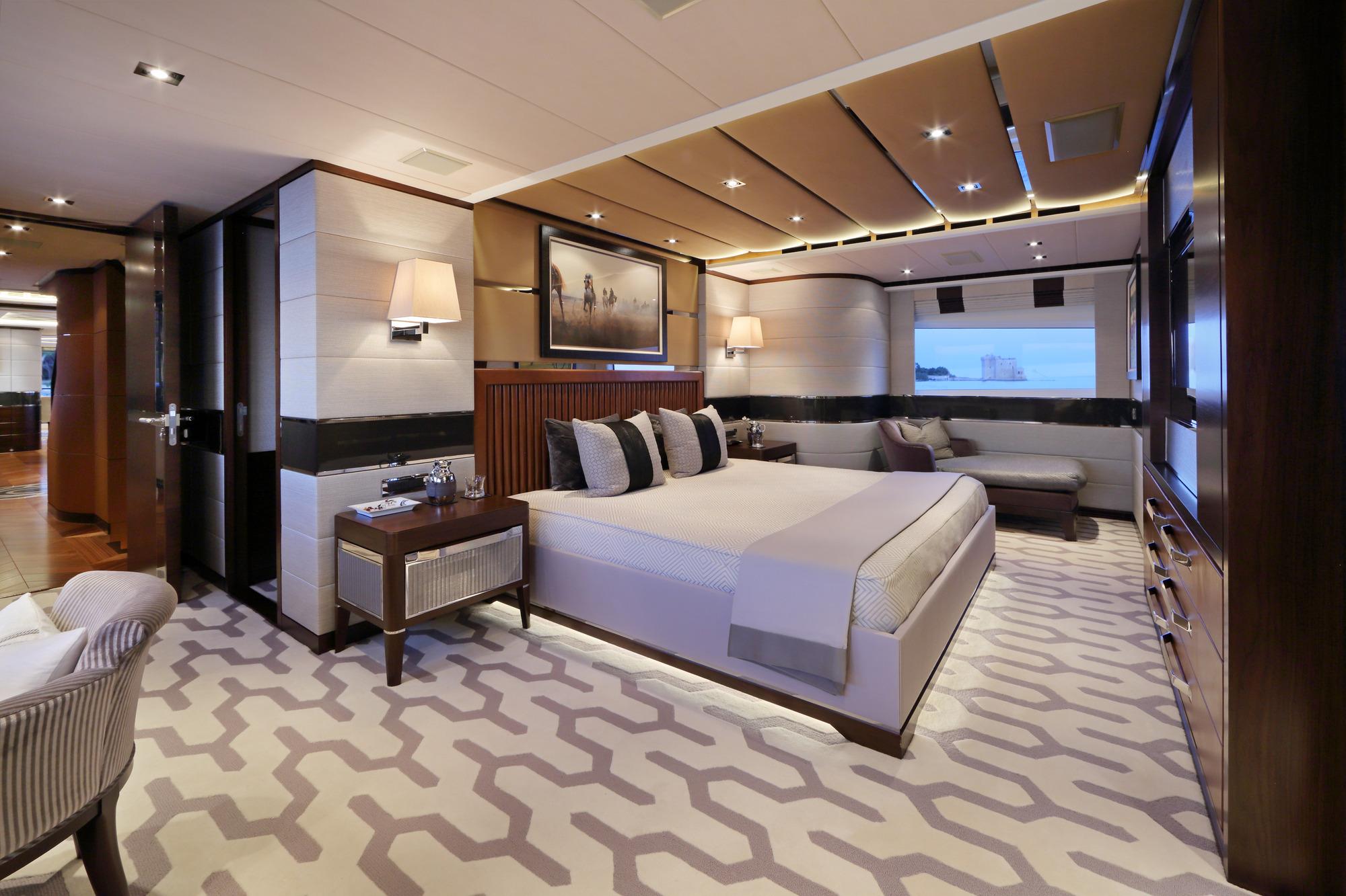 Heesen yacht AURELIA - Master stateroom