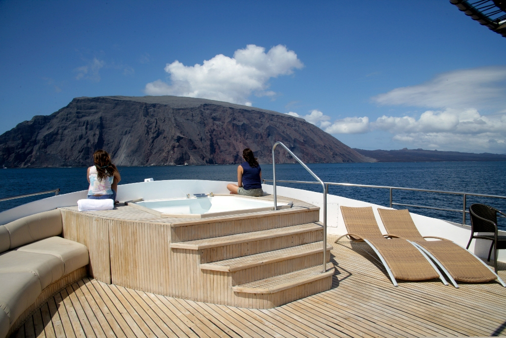 INTEGRITY -  Top Deck and Spa Pool