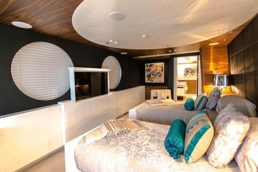 KATINA yacht - twin cabin