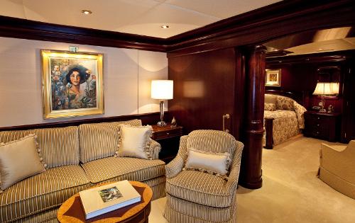 KERI LEE III Yacht - Owner Lounge