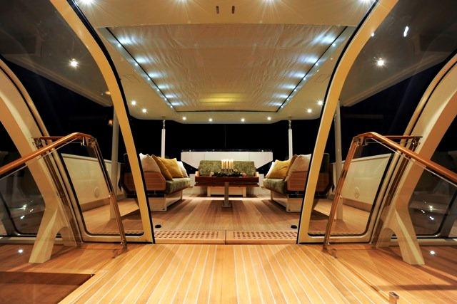 Deck Salon looking aft