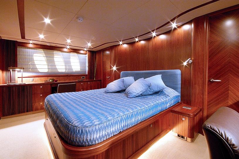 LOW PROFILE -  VIP Cabin