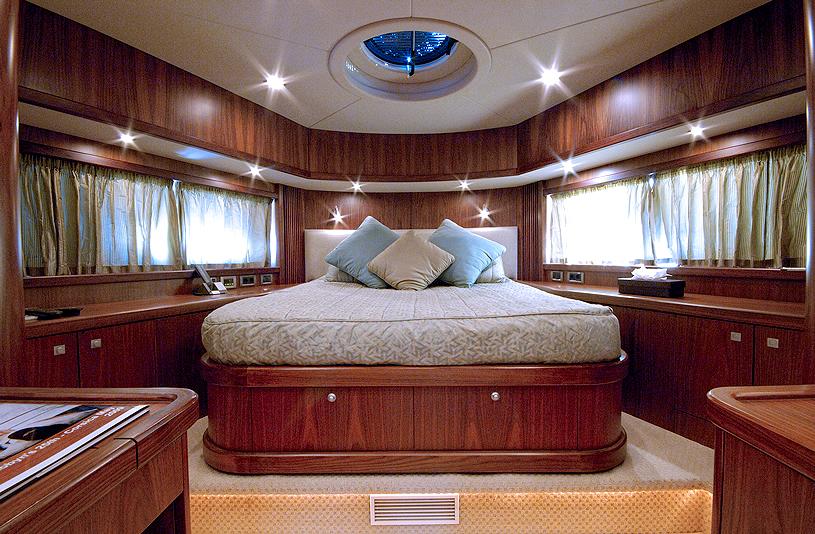 LOW PROFILE - Master Cabin