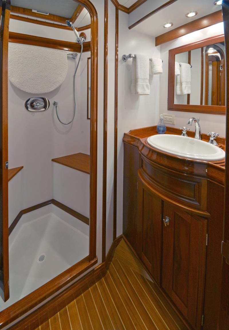 LYMAN MORSE Yacht EXCELLENCE -  Guest Ensuite 2