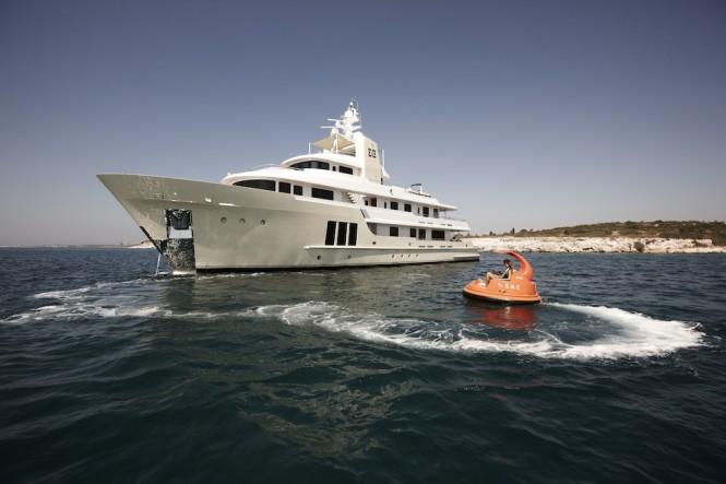 Luxury charter yacht E&E