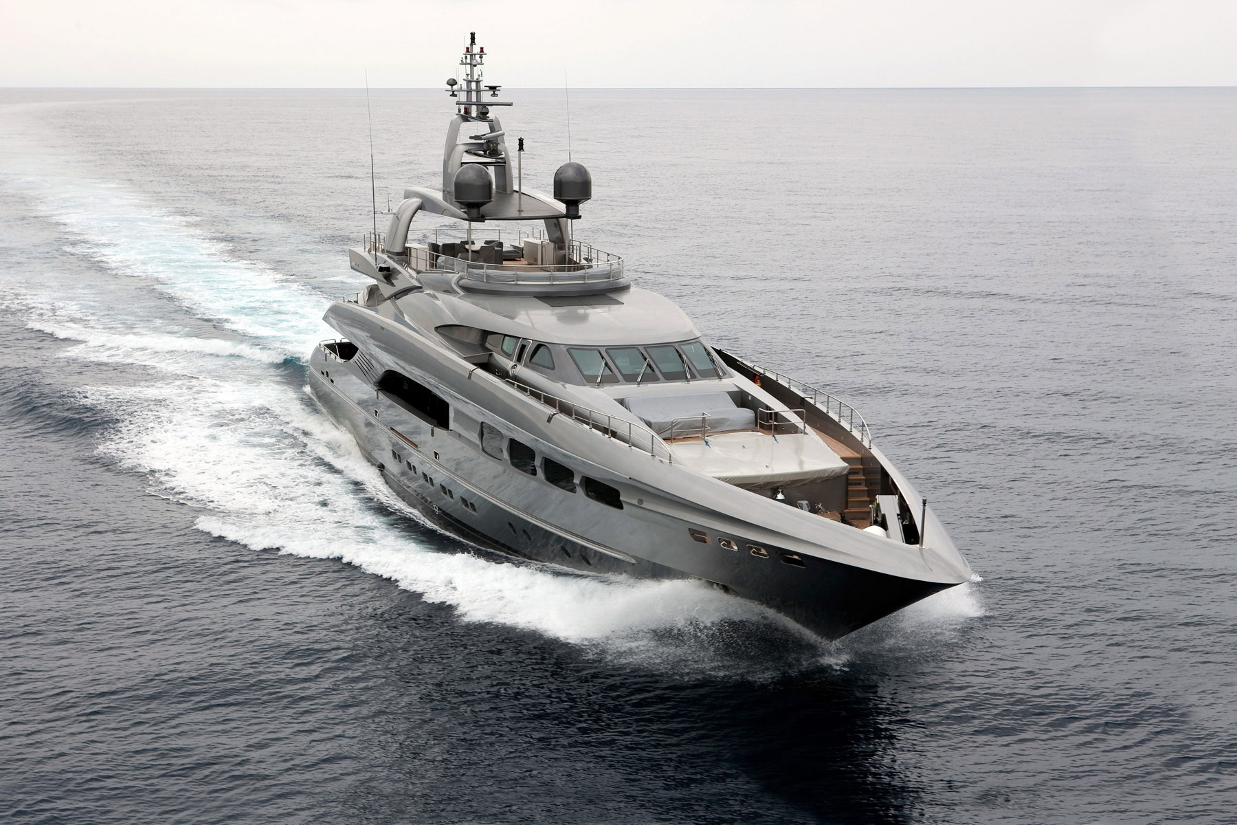 Luxury motor yacht Streamline by Mondo Marine